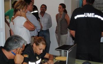 Medios aéreos se incorporan a los trabajos de extinción en Andilla y Cortes de Pallás