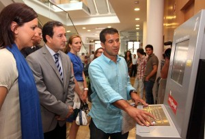 La Consellera d'Educació i Ocupació inaugura el dispositiu d'Autoservef de l'Olleria