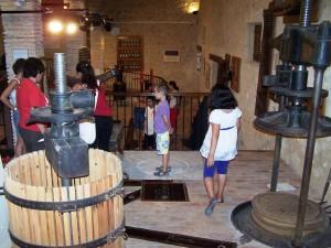 La Font de la Figuera viu una jornada nocturna de portes obertes del Museu Històric Etnològic