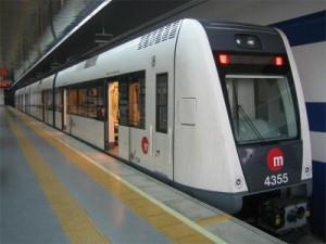 Metrovalencia prolonga su servicio nocturno para cubrir la demanda de viajeros de la 'Gran Nit de Juliol'