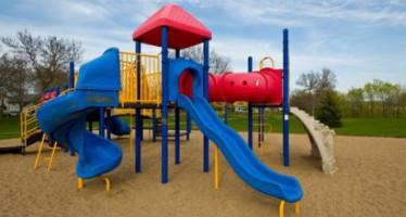 Montar un parque infantil en el jardín: consideraciones generales y de seguridad