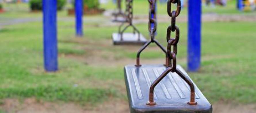 Montar un parque infantil en el jardín: ¿qué columpios coger ...