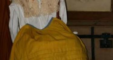 Exposición Trajes Tradicionales de Chivana, Complementos y Adornos