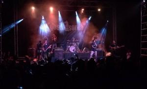Unes 1.000 persones assisteixen al concert 'GanxoRock!' de rock en valencià a Benigànim