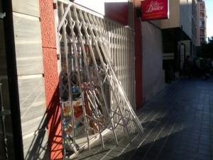 Intento de robo frustrado en una tienda de chucherias de la calle Lérida
