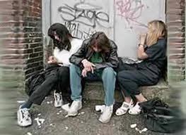 Las charlas sobre drogas en los colegios atraen a los jóvenes