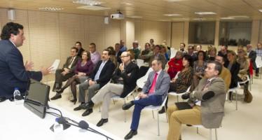 Moliner trabaja con los jefes de servicio de la Diputación las líneas básicas del presupuesto y el nuevo modelo de gestión