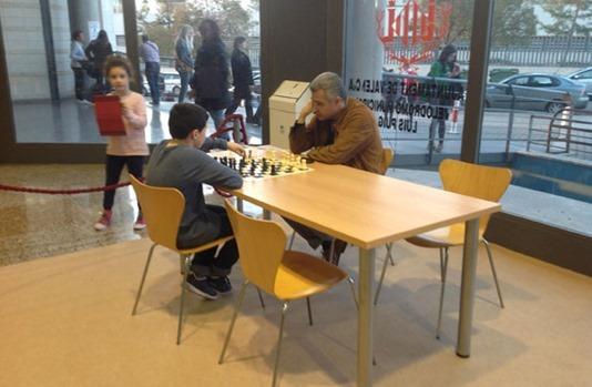 usando-sala-ajedrez-velodromo-luis-puig