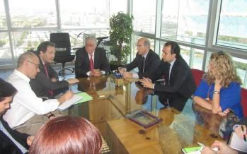 Infraestructuras presenta a los comerciantes del entorno del Mercado Central las propuestas de urbanización de la Plaza Ciudad de Brujas