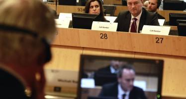 Fabra demanda en Bruselas  al Banco Europeo de Inversiones  que concentre sus esfuerzos en proyectos e inversiones en las regiones