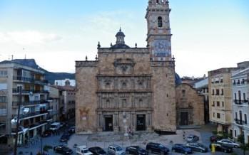 """Chelva recibe este domingo desde el campanario de su parroquia una """"Lluvia de Aleluyas"""" para celebrar el Domingo de Resurrección"""