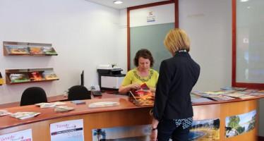 Cullera y El Perelló dan a conocer su oferta turística en la Oficina de Promoción de la Diputación