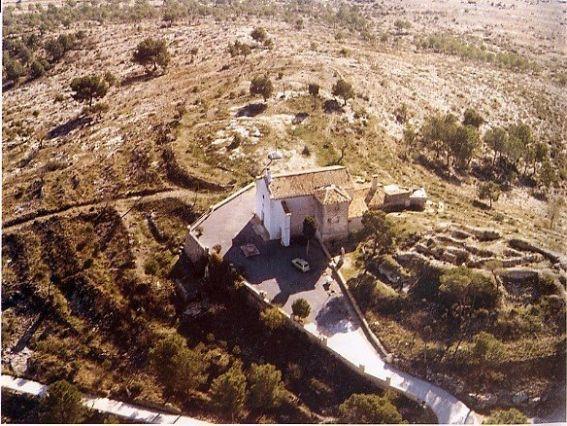 castillo-de-almizra-y-ermita
