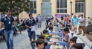 La plaza Nou Moles acogió la segunda jornada del XVIII Torneo Municipal de Ajedrez Juego Limpio