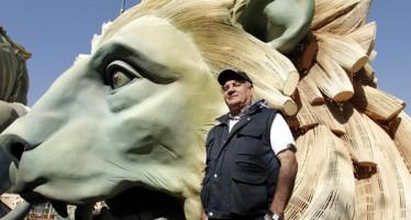 Un león de bronce del Congreso de los Diputados 'se traslada' a Valencia por Fallas
