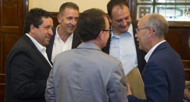 Moliner afila la tijera que le ha llevado a recortar en 534.000 euros el coste de los diputados y personal eventual en apenas cuatro años