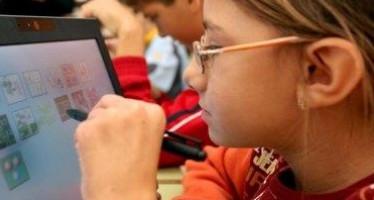 Educación abre el plazo para que los centros soliciten participar en el programa experimental de tabletas