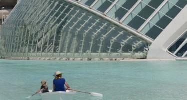 Kayaks en el Hemisfèric