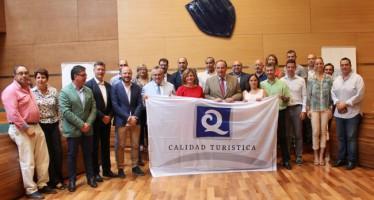 Hasta 18 playas de la provincia de Valencia reciben la bandera 'Q' de calidad turística