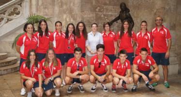 Los campeones de Europa de Pilota se reúnen con la diputada de Deportes e Igualdad