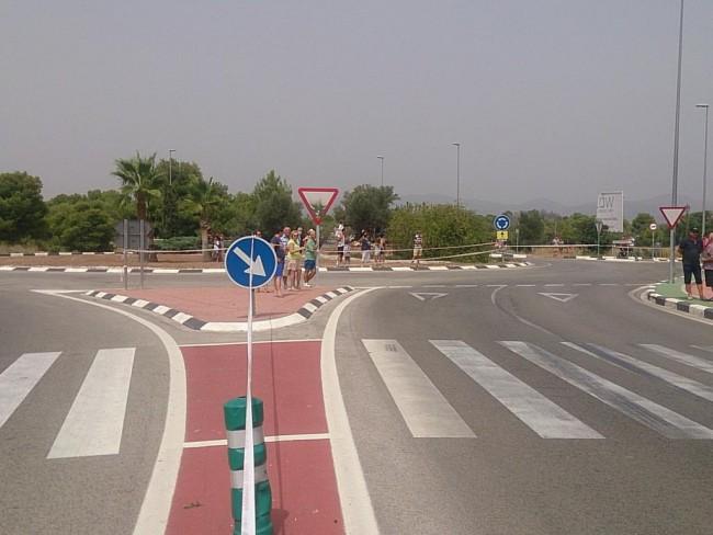 En Godella, una hora antes ya estaba todo preparado para el paso de la comitiva ciclista. Foto: Protección Civil Godella