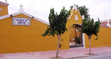 La Escuela de Adultos de Chiva oferta cerca de 850 plazas para el nuevo curso