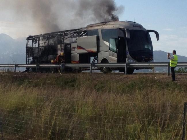 autobus-incendio-01