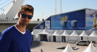 Juan Carlos Ferrero visita la nueva pista central del Valencia Open a dos días de su inicio
