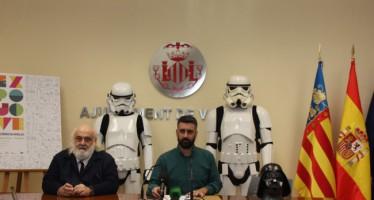Pere Fuset presenta Expojove 2015 'escoltado' por dos soldados imperiales de Star Wars