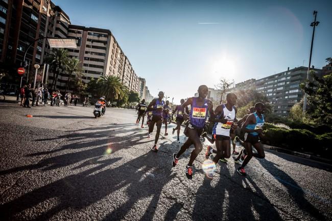 Maraton-Valencia-Trinidad-Alfonso-2015-salida-02