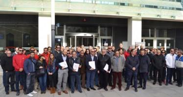 Los clubes náuticos se concentran ante Conselleria para exigir el cumplimiento de la Ley de Puertos