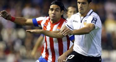 Cambio de cromos en el Valencia CF: ¿Batshuayi y Falcao por Negredo y De Paul?