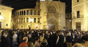 La Comunitat Valenciana, en silenci per les víctimes dels atentats de París