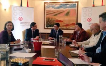 El President dels Corts es reuneix amb el Consell Rector de la Confederació de Cooperatives