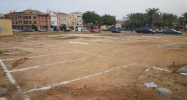 L'Ajuntament d'Alzira posa en marxa l'estacionament de vehicles en el solar del carrer Gabriela Mistral