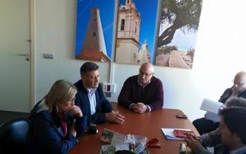 Aguar y Peris conocen los recursos turísticos y el tejido empresarial de Canet d'En Berenguer