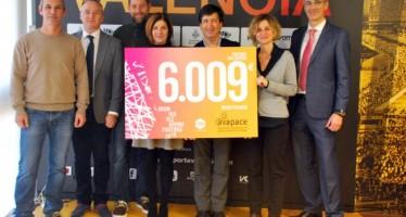 La concejala de Deportes del Ayuntamiento de Valencia ha entregado a AVAPACE la recaudación de la Carrera 10K Divina Pastora