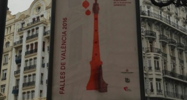 Los cuatro carteles de la Campaña Gráfica de las Fallas ya están en las calles de Valencia
