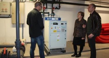 La piscina municipal de Almassora ya ahorra energía a través del nuevo sistema de calentamiento del agua