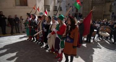 La Publicació crida a la festa amb música als carrers de Bocairent
