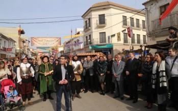 El presidente de la Diputación de Valencia inaugura en Llombai el Mercat Reinaxentista dels Borja
