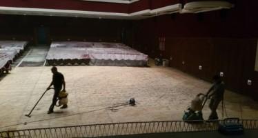 Obras en el Teatro Astoria de Chiva y el campo de fútbol de La Murta