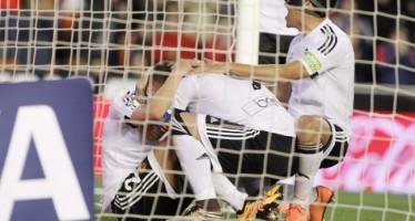 El Valencia CF se redime ante el Espanyol en Mestalla (2-1)