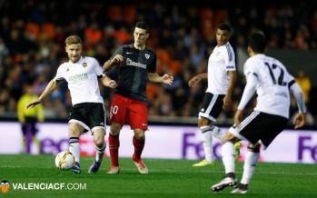 Aduriz impide el paso al Valencia CF a cuartos de la Europa League (2-1)