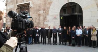 Minuto de silencio por las víctimas de Tarragona, a las puertas del Palau de la Generalitat