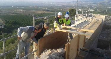 Marzà inaugura la exposición sobre la restauración del Castell Vell de Castellón