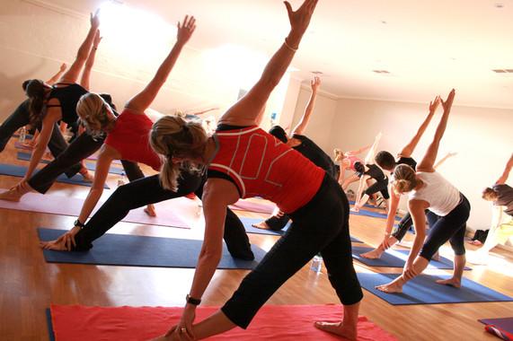 Clase de yoga./ Universidad de Oviedo