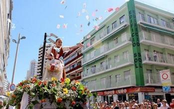 Día grande de La Festa de la Creu en Benidorm