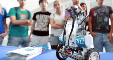 Más de 1.300 escolares participan en los concursos científicos de la CAC