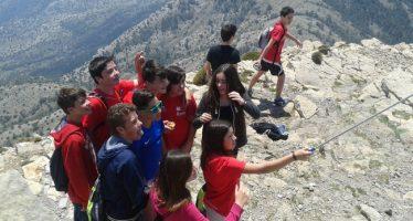 La Diputación lleva a 1.500 jóvenes a recorrer la provincia con la campaña de excursiones 'Mar i Muntanya'